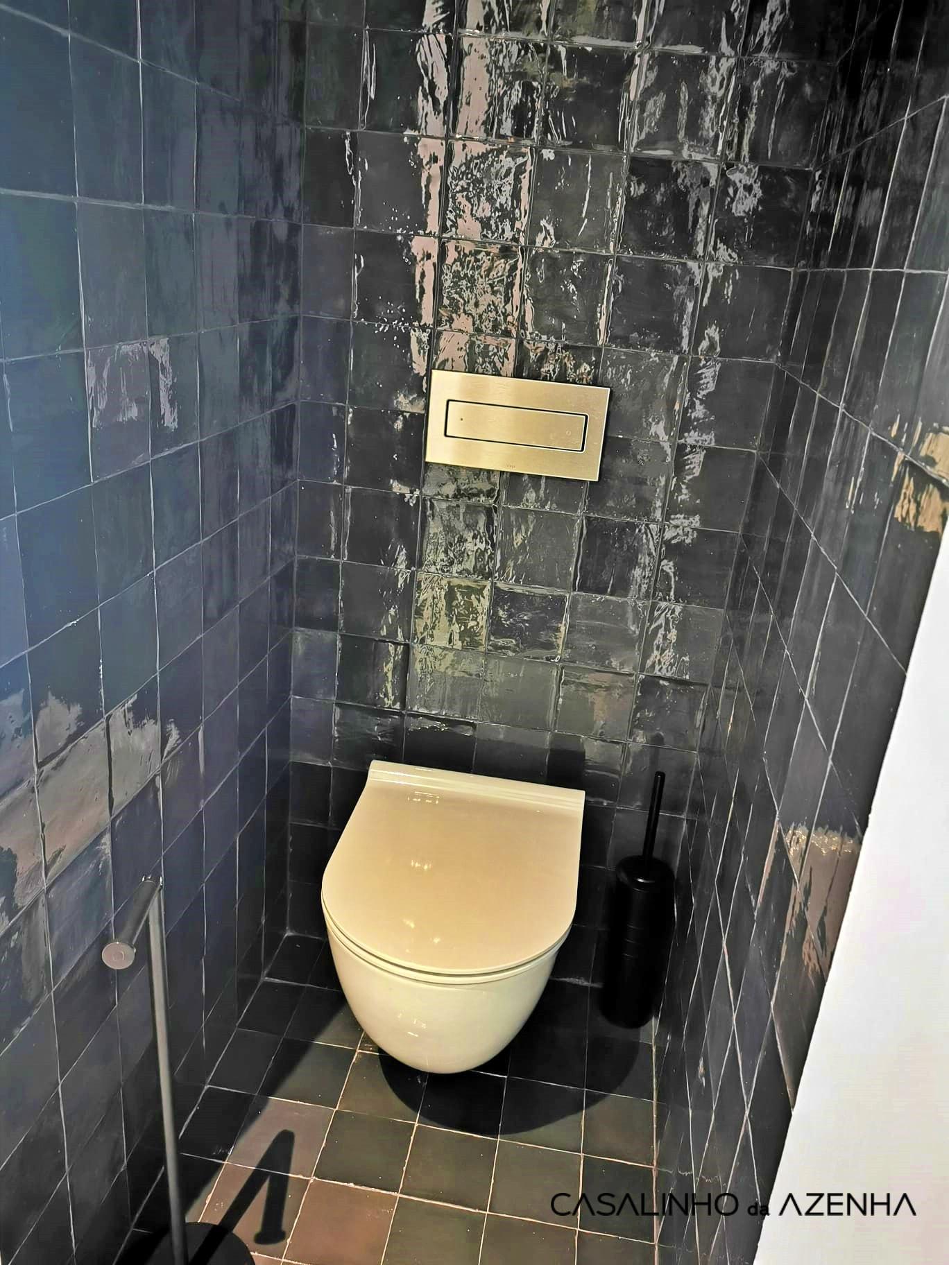 wc strelitzia2